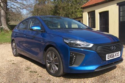Hyundai Ioniq Hatchback 1.6 GDi Hybrid Premium 5dr DCT