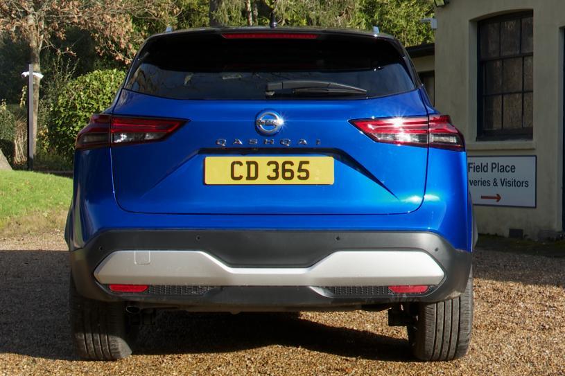 Nissan Qashqai Hatchback 1.3 DiG-T MH Acenta Premium 5dr