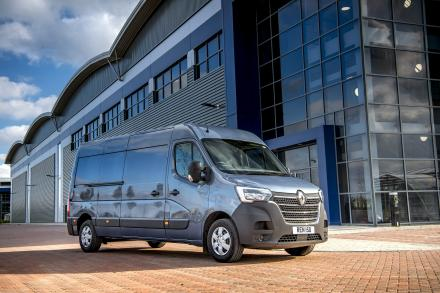 Renault Master Lwb Diesel Fwd LL35 ENERGY dCi 150 Business Low Rf D/Cab Chassis